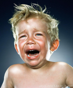 enfant-bebe-pleurent-chaude-larme-Jill-Greenberg-5