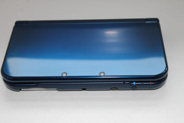 La New 3DS XL bleu métallique