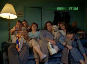 La famille Bougon devant la tv