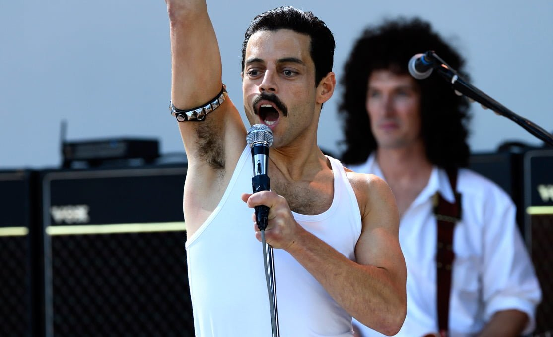 Rami Malek bluffant en Freddy Mercury